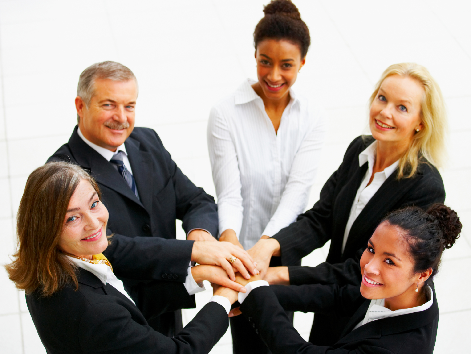 4 Ways to Build a Powerful Business Team