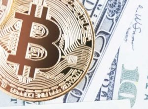 3 Experts' Prediction on Buying Bitcoin with Cash and the Currency's Future